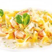Pasta mit Lachs und Meerrettich-Sauce