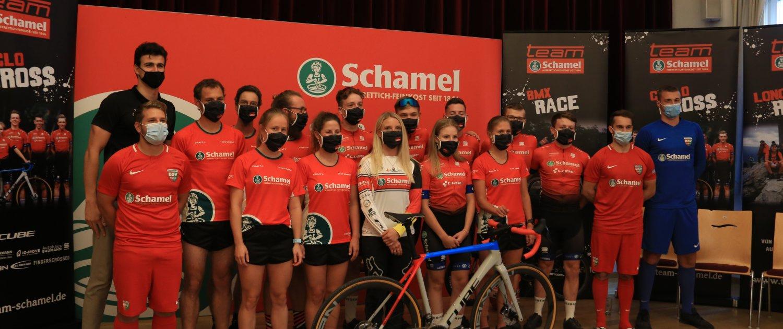 Team Schamel praesentiert sich