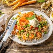 Garnelen mit Edamame, Karotte, Paprika und Meerrettich